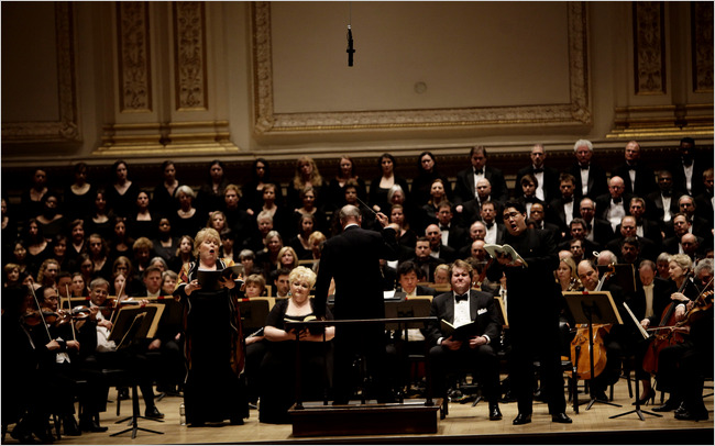 Photo of Christine Brewer, Stephanie Blythe, Raphael Frühbeck de Burgos, Anthony Dean Griffey, Shenyang the BSO and the Tanglewood Festival chorus during a BSO performance of Mendelssohn's Elias at Carnegie Hall